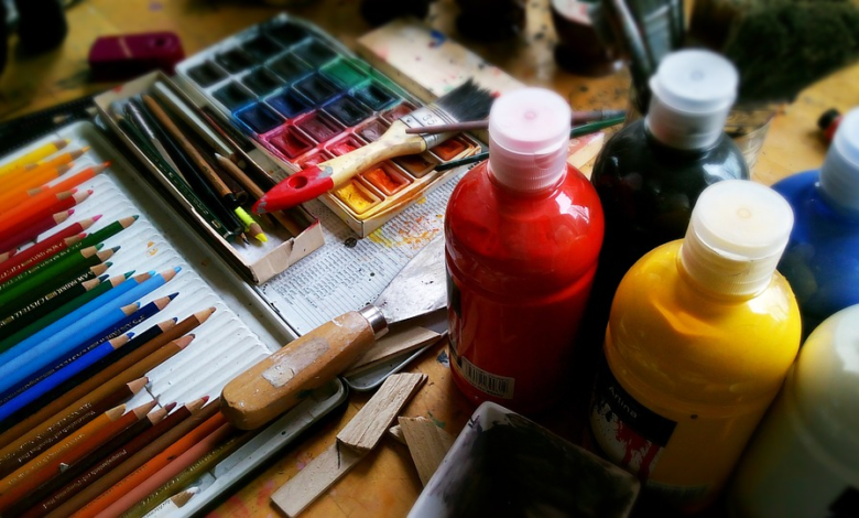 """5 Ways Artists Can Use Their Art To Make Money The entertainment industry might be underestimated. While many artists start doing it as a hobby, you can convert it into a full-time career. Art is one way you can use your talent to make money and supplement your daily income. You can also decide to employ yourself with your talent, especially now that employment is unreliable due to a crumbled world economy. You can determine the popularity of art by the ever-growing number of art fairs popping up worldwide. In this post, you will learn five of the best ways to use your art to make a living. Whether you are a graphic designer, a drawer, painter, or photographer, there are many ways you can market your creatives and make money. These are five of the most effective ways you can make money through art. 1. Sell on Sellfy Sellfy is a digital product marketplace where you can make money as an artist. You can create a marketplace where you design and market your creatives. Everything is set up for your eCommerce store, and your work is to create the work described according to the requests you get from your customers. Besides designing illustrations, logos, and icon packs, you can also sell real merchandise with your art. T-shirt printing is one of the best-performing businesses for artists. After creating your account on Sellfy, you can start by setting up your store name, design its """"look and feel"""" with your branding choices, and create categories and products you offer. The advantage you have with Sellfy is that you do not need to worry about maintenance. Everything is done, and your work is to manage the store, customers, and products. If, however, you want the freedom to manipulate your store source code for custom designs, you can create a personal website for the business and use various plugins to customize it. 2. Start an Art Academy There are many people interested in learning to become artists. Whether it is craftwork, painting, or drawing, you can teach people a"""