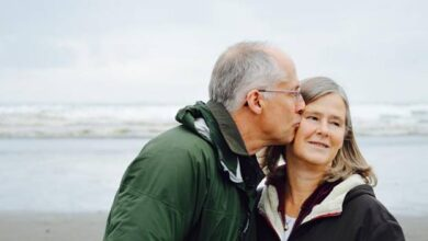 5 Things to Gift Your Grandparents on Anniversary