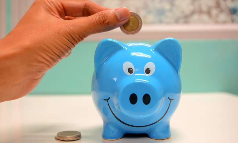How Much Money to Keep in Your Savings Account