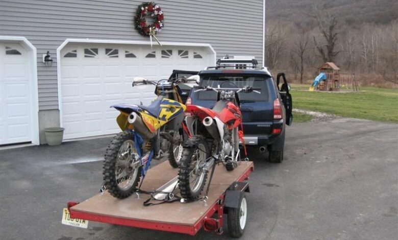 Broken motorcycle: how to tow a two-wheeler?